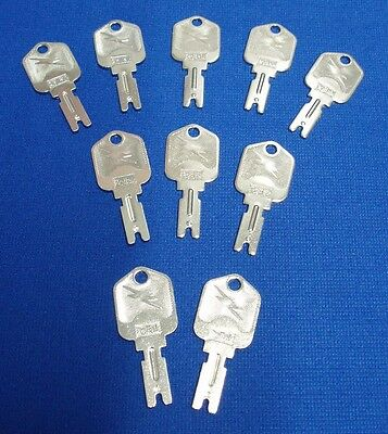 10 Proper fitting Forklift Ignition Key Clark Yale Daewoo Hyster Gradall JLG