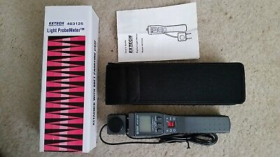 Extech Light Probe Meter Model 403125 New In Box With Carrying Case & Manual