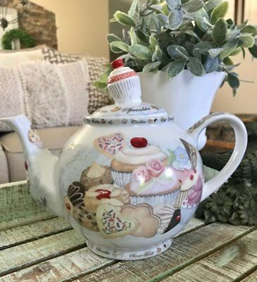 Cardew Design Cupcakes and Cookie Teapot 5 Cups Tea Party