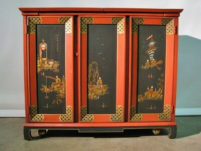 Vintage 1960's Hollywood Regency / Chinoiserie Rolling Bar; Opens & Expands