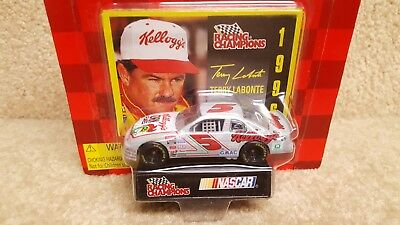 New 1996 Racing Champions 1:64 NASCAR Terry Labonte Kellogg's Monte Carlo #5 b