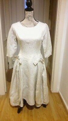 Vintage 1950's Wedding dress size 10 with beautiful silver thread in dress