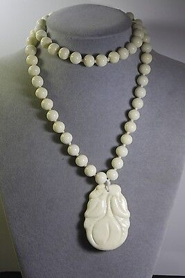 Antique Vintage Chinese Off White Peking Glass Peach Pendant Bead Necklace
