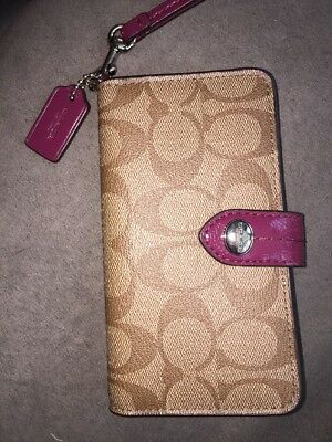 Coach Peyton Signature Phone Case Wristlet Wallet Maroon Gently Used