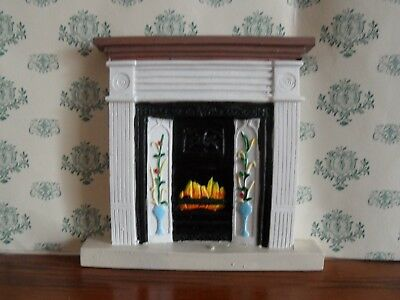Lovely White RESIN Victorian Fireplace for the DOLLS HOUSE