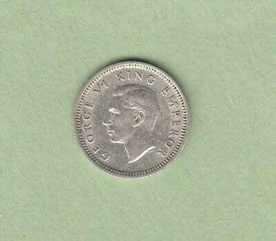 1942 New Zealand 3 Pence Silver Coin - 1 Dot - AU