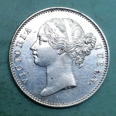 British India-Silver-Victoria Queen-Year 1840-One Rupee-Wt:-11.590 Gm.