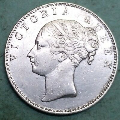 British India-Silver-Victoria Queen-Year 1840-One Rupee-Wt:-11.520 Gm.