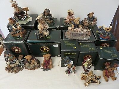 Lot 16  BOYDS BEARS & FRIENDS The Bearstone Collection Figurines 5 Xmas 11 Other