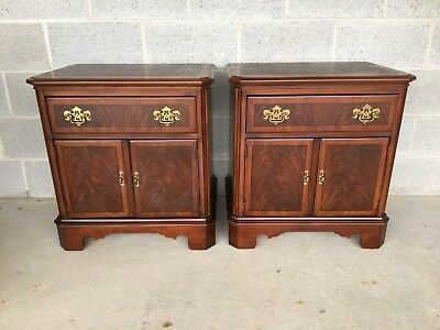 Drexel Heritage Banded Mahogany Pair Of Chippendale Style Nightstands