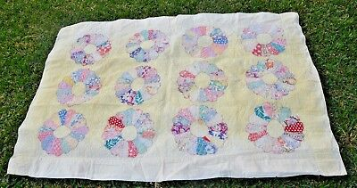 """Vintage Handmade Hand Quilted Dresden Plate Quilt 56x39""""."""