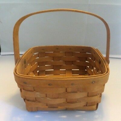 Longaberger 1990 -- Square Berry Basket With Swing Handle