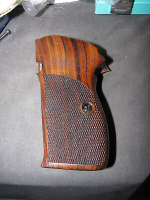 "Pistol Grips f/GERMAN-MADE SIG P210 ""Super Target"" English Walnut Checkered NEW!"