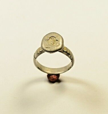 Ancient Roman Silver Ring With Decorated Bezel - Wearable