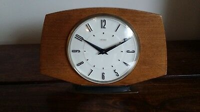 Vintage 1960's Metamec 8 Day Oak Mantel Clock (Metamec Mechanism Free Standing)