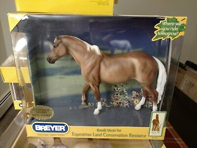 Breyer Model Horse 1313 Palomino ELCR Benefit Model Traditional Scale