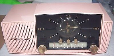 Vintage Pink General Electric Clock Radio Tube Model 913-D Not Working USA 1950s