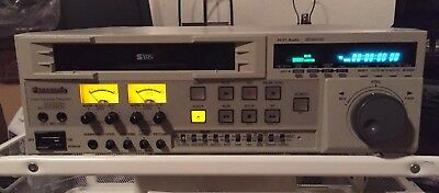 Panasonic DS555 Professional S-VHS Player/Record Deck