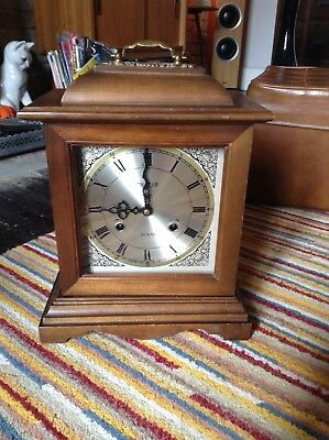 Vintage 31 day wood and glass cased chiming mantel clock with key