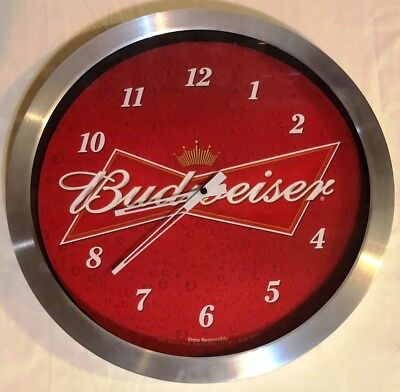 """2011 BUDWEISER """"KING of BEERS"""" CONTEMPORARY WALL CLOCK 15.5"""" BATTERY OP"""