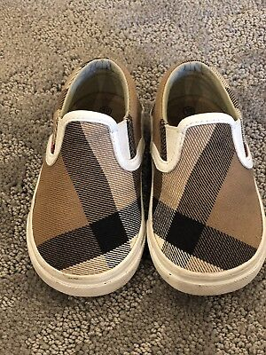3cbf199cc7bf9  165 Burberry Linus Classic Canvas Slip On Sneakers Infant   Toddler 19 3.5