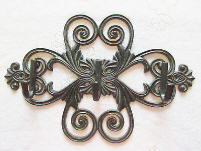 Decorative Cast Iron Wall Hook Coat Rack Vintage Design Hanger with 3 Hooks