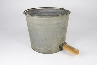 VTG Galvanized Hanging Farm Calf Feeding Milk Bucket w/ Udder 2 Gal. 8 Qt.