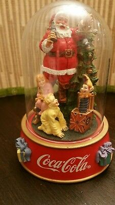 Coca Cola Santa Things Go Better With Coke Franklin mint 1996  glass dome sculpt