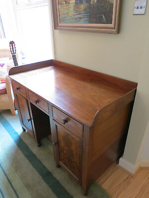 Irish - Millar and Beatty - Gentlmans dressing table