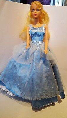 Vintage Disney Sleeping Beauty Doll. Eyes close with Water. Clothes Shoes Toys