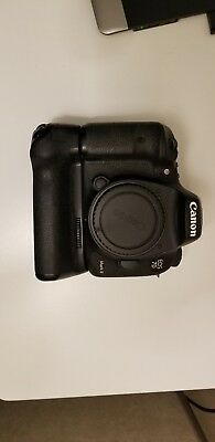 Used Canon EOS 7D Mark II 20.2MP Digital SLR Camera - Black (Body Only)