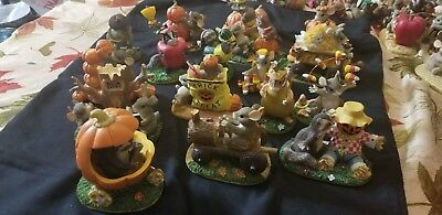 """Charming Tails Lot Set of 17 """"Halloween style"""""""