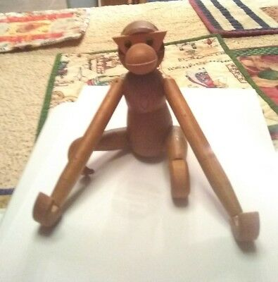 Vintage Articulated/Jointed Wooden Toy Monkey Long Dangling Arms & Legs.