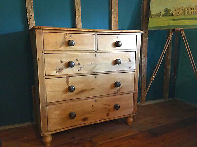 A Classic Antique Pine Chest Of Drawers - Great Useful Size