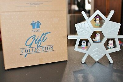 Avon 4 Wee Winter Friends And Christmas Display Stand New In Box Gift Collection