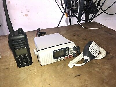 Standard Horizon Submersible HX280S Radio And West Marine Vhf500dsc Mobile.