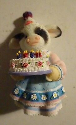 "Enesco Mary's Moo Moos Dairy Queen ""Have an Udderly Cool Birthday"" Figure"