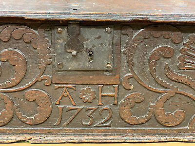 COUNTRY OAK BIBLE BOX ON  PRIMITIVE CARVING  Antique dated 1732 - 18th century