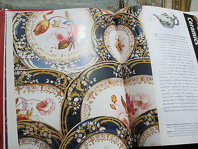 Vry Nice Condition!  Lrg. Coffee Table ANTIQUES IDENTIFICATION GUIDE HC w/jacket