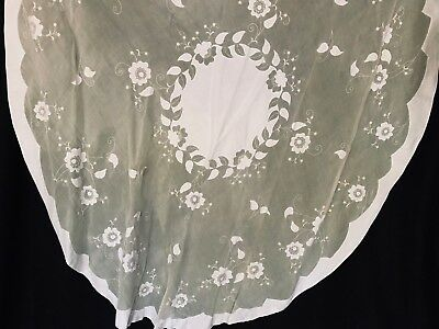 Vtg oval yellow organdy Madeira tablecloth with white applique flowers 8 napkins