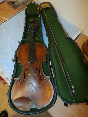 Robt R Moore Newcastle 1924 Full Size Violin in Case with Bow For Restoration