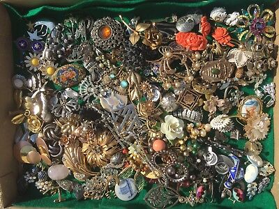 HUGE Vintage Estate Signed Jewelry Lot Brooches Earrings Necklaces 200+ 925