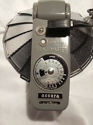 Vintage Accura Bouncemaster Folding Fan Camera Flash with Cord - untested