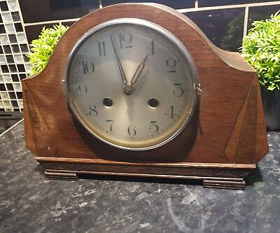 Old 1920s Wooden mantle clock