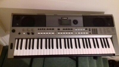 Yamaha PSR E443 Electronic keyboard, very good condition. Includes stand & case