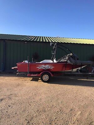 Craig Craft Waterski Wakeboard SportsBoat - Perfect starter boat or project boat