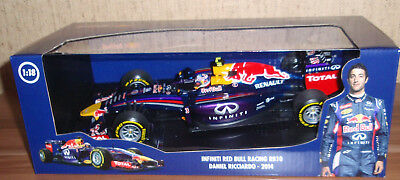 Red Bull Racing Renault RB10 Daniel Ricciardo 1:18 2014 Minichamps 110140003 F1