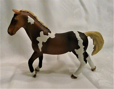Schleich Brown & White Male Paint Horse Play Figure Pinto D-73527 2013