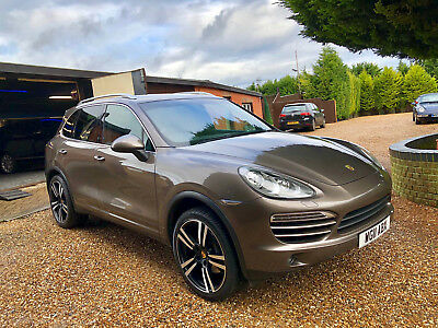 Porsche Cayenne V6 Diesel + 2011 + Panoramic Roof + Air + Bose + Turbo Alloys