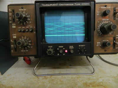Telequipment   DUAL  BEAM  OSCILLOSCOPE  DIO11    Fully  Working  /  With  Lead